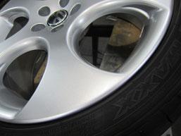 フォルクスワーゲン ポロ GTI の純正アルミホイールのガリ傷・擦りキズのリペア(修理・修復・再生)後のホイールアップ写真