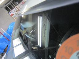 ベンツC200コンプレッサーのフロントガラスの鱗状痕(水垢、ウロコ染み、ウォータースポット)の除去後その2