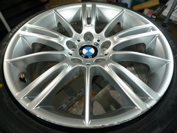 BMW M3クーペ 純正アルミホイール の ガリキズ・擦り傷のリペア(修理・修復・再生)前のホイール写真