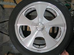 ベンツG500 の アルミホイール(ロデオドライブ)のガリ傷・擦りキズ・欠けのリペア(修理・修復)後のホイールBの写真2