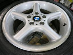 BMW Z3の純正アルミホイール4本のガリキズ・擦り傷・欠けのリペア(修理・修復・再生)前のホイール①の写真