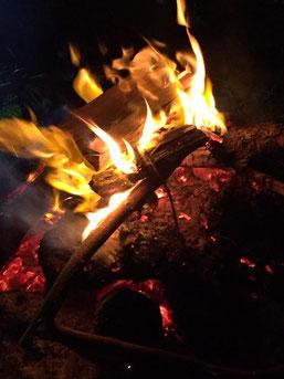 焚火を囲んでのギャザリング