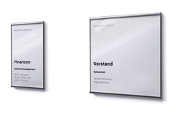 Türschilder und Informationsschilder fürs Büro mit Wechselrahmen; aus Edelstahl und Acrylglas
