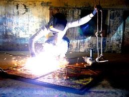 Arbeitsprozess: Aktionskunst, Performance auf der Hängeleiter