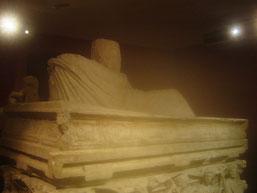la présence du turban indique la tombe d'un homme