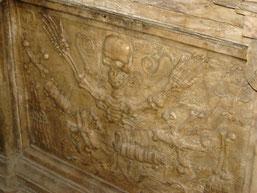 tombeau en marbre blanc de S. Emi Guillaume Cardinal de Briçonnet qui fut évêque de Narbonne de 1507 à 1514