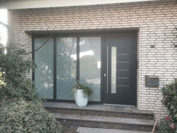 Haustüre mit Seitenteil VABA