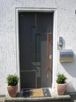 61 Haustüre in Heiligenhaus nachher