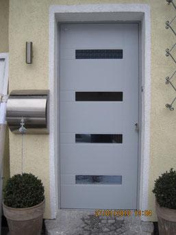 70 Haustüre in Remscheid nachher