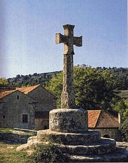 Cruz en el Parque Natural de Penyagolosa en Castellón (Comunidad Valenciana) España.