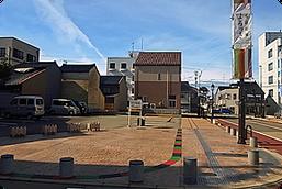 花道広場よろっさ