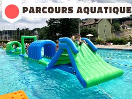 Parcours aquatique gonflable pour piscine et plan d'eau en location