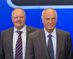 Carsten Trolle (left) takes over DSV's Air and Sea business from Jorgen Moller  /  source: DSV