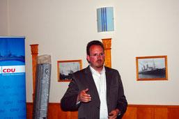 Bürgermeisterkandidat Marcus Itjen während seiner Ausführungen