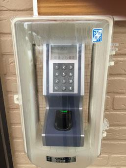 指認証による施錠開閉装置