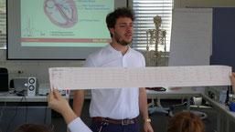Gesundheitsmanagement aus der Praxis: Erste Hilfekurs mit unserem Student Marco D`Arca