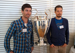 Sportmanagement studieren mit maximalem Praxisbezug: Studenten auf Exkursion zur UEFA