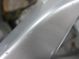 レクサスLS600h純正18インチハイパーシルバーアルミホイールの傷リペア(修理・修復)前の傷アップ写真③