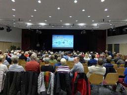"""Publikum Stadthalle Montabaur, Vortrag """"Island - Am Puls der Erde unterwegs"""""""