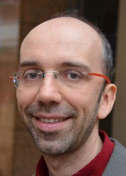 Valentin Dübbers lächelt in die Kamera.