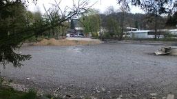 der trocken gelegte Teich, wie er sich im Moment präsentiert (def)