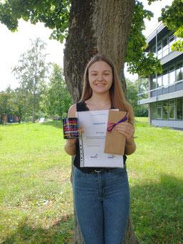 Mara Bender, Gewinnerin des Schreibwettbewerbs