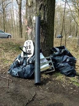 Ergebnis der Müllsammlung am Burgauenbach.