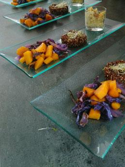 Quinoa aux legumes d'hiver et purée de pois chiches.