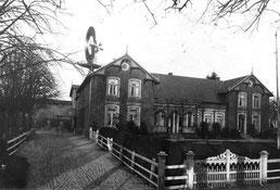 Der Ziegelhof in Kalleby um 1910 - damals ein stolzes Bauernhaus.