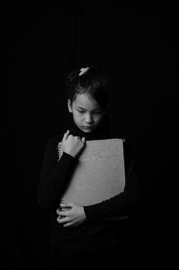 Kind dat gepest wordt geschreven door Happy-Nes kindercoaching