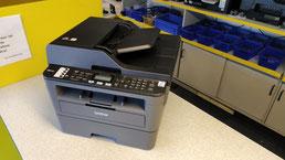 Kompakter schwarz-weiß Laserdrucker mit Duplex