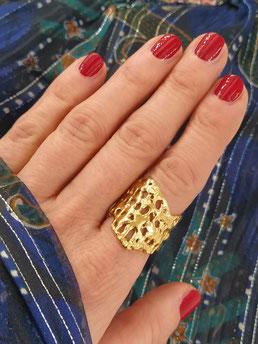 """Ring aus der Serie """"Liquid Gold"""" von Caroline Ertl - Atelier STOSSIMHIMMEL"""
