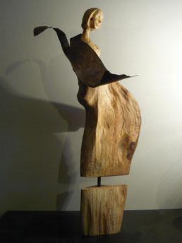BACIAMANO. Scultura in faggio giovane e ferro battuto