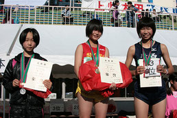 左から)2位の福田さん、1位の三ツ木さん、3位の武石さん