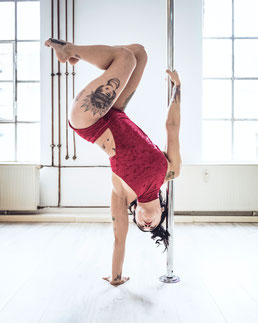 Yatzin Kosom Pole Fitness Meathook