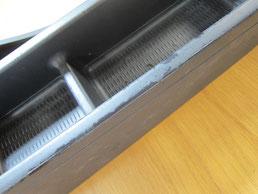 BMW318CIクーペ の センターコンソールボックス の 傷・塗装剥げ(めくれ)・塗装べたつき(ベタベタ)のリペア(修理・修復・再生)前の写真②、取り外し状態