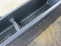 BMW318CIクーペ の センターコンソールボックス の 傷・塗装剥げ(めくれ)・塗装べたつき(ベタベタ)のリペア(修理・修復・再生)後の写真②、取り外し状態