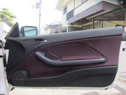 BMW318CIクーペ ドア(内装内張り)ノブの塗装の剥がれ(剥げ)・めくれ・傷・ベタ付き(ネバ付き)のリペア(修理・修復・再生)後の運転席ドアの写真