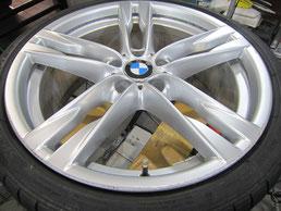 BMW640iクーペ・カブリオレの20インチ純正アルミホイールの、ガリキズ・擦り傷・欠けのリペア(修理・修復・再生)前のホイールアップ写真①
