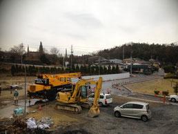~建設工事事務所の窓から~重機が今日も大活躍!