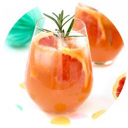 Bild: Rezept für Cocktail mit Rosmarin, Gin und Grapefruit von whatmakesmehappy auf Partystories.de zur Blogparade #Geburtstagsparty