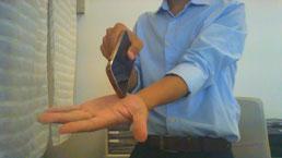 頸椎ヘルニアで手先が痺れる奈良県広陵町の男性