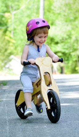 Etsy Qc, Dossier Spécial, jouer dehors, vélo équilibre steve Genesse