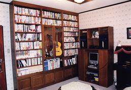 壁面収納書斎