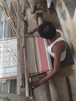 Injiri, Chinar Farooqui, India, on kilimmesoftly.ch, bio Baumwolle Kissen, Zürich, design Kissen, hand-woven cushion