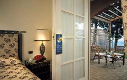 Altafiumara Resort & Spa in Kalabrien Zimmer