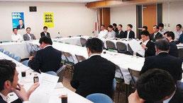 八重山の教科書問題で開かれた自民党文部科学部会と歴史教育を考える議員の会の合同会議(13日午後)