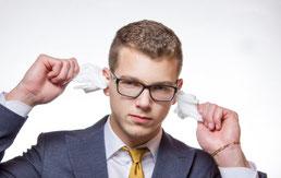 Bien se nettoyer les oreilles, les conseils de notre audioprothésiste... et surtout oublier le coton-tige