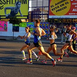 Anja auf der Strecke beim Valencia Marathon