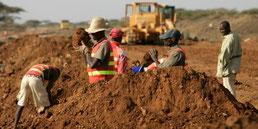copyright: Reuters (Straßenbau in Kenia)